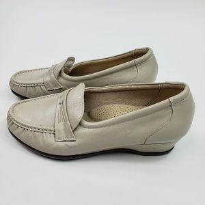 SAS Tripad Comfort Foot Bed Womens Size 9.5 W